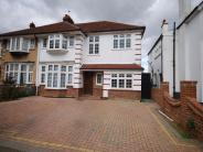 4 bed semi detached home to rent in Avondale Road, BROMLEY...