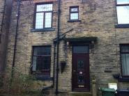 Terraced home to rent in Allencroft, Birkenshaw...