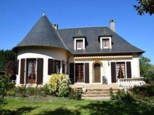 4 bed Town House in Arnac-Pompadour...