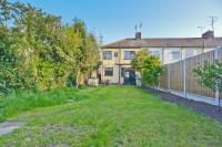 3 bedroom semi detached house for sale in Southend-On-Sea ** 0.4...