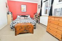 Apartment for sale in ROCHFORD ** SHORT WALK...