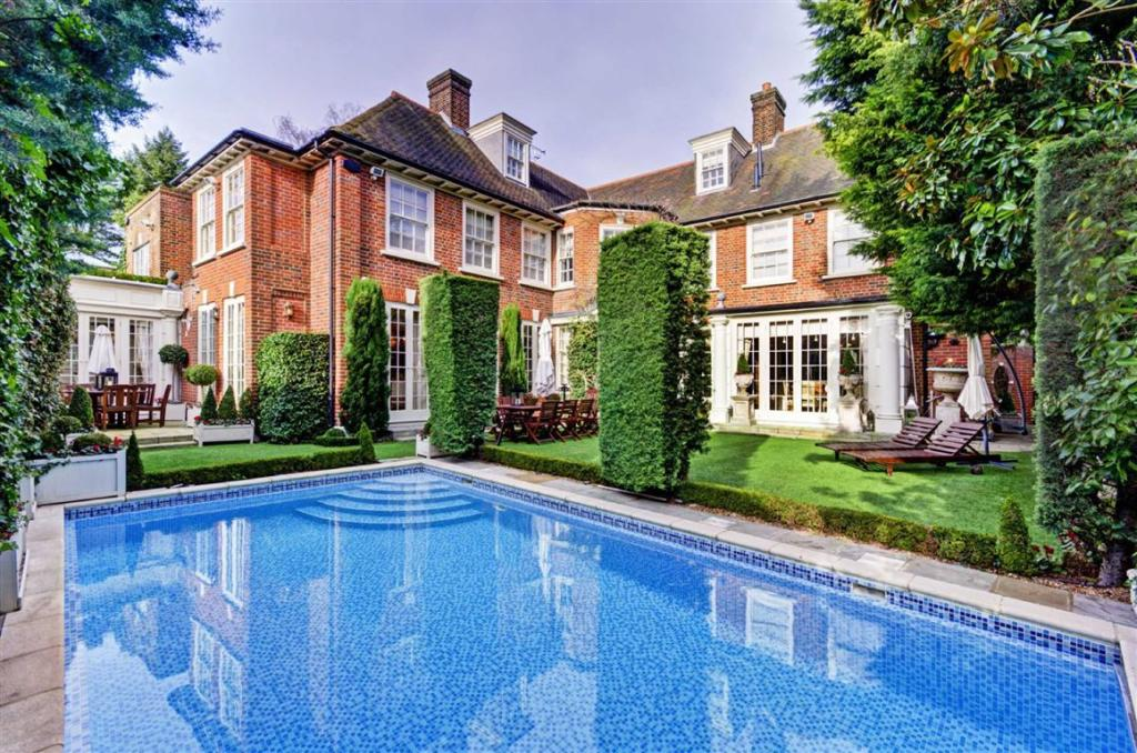 6 Bedroom Detached House For Sale In Upper Terrace London