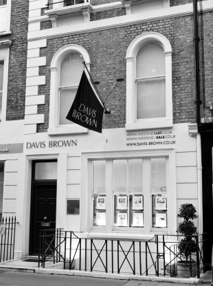 Davis Brown, Londonbranch details