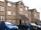 Flat to rent in Oakhill Road, Purfleet...