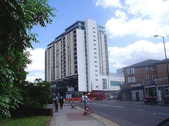 Kingsway North Finchley Rent Room