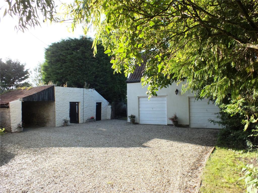 Garages/Outbuildings