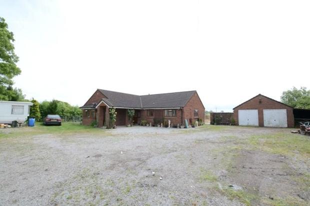 Bungalow & Garage