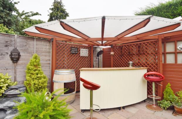 Garden / Bar