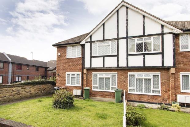 2 Bedroom Apartment For Sale In Dorchester Gardens Chingford E4 E4