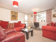 2 bedroom Apartment for sale in Linksway, London