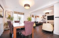 3 bed Apartment for sale in Hamilton Court...