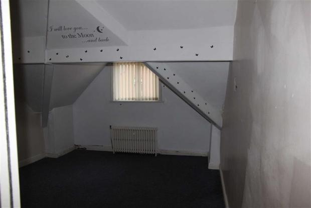 FLAT - BEDROOM 2