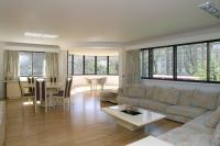 3 bedroom Flat in The Terraces Queens...