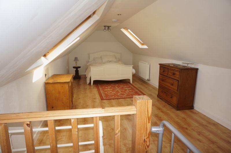 Annex Main Bed...