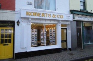 Roberts & Co, Usk - Salesbranch details