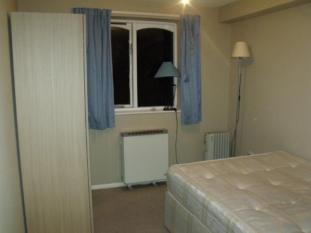 1 bedroom flat to rent in Chartwell Close, Greenford, Middlesex ...