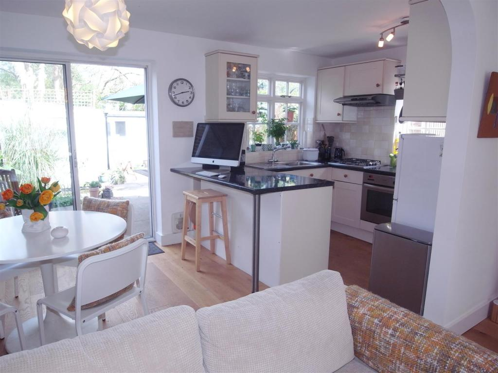SimmilRoad28.Kitchen