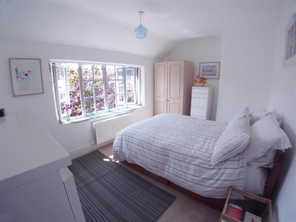 SimmilRoad28.Bedroom