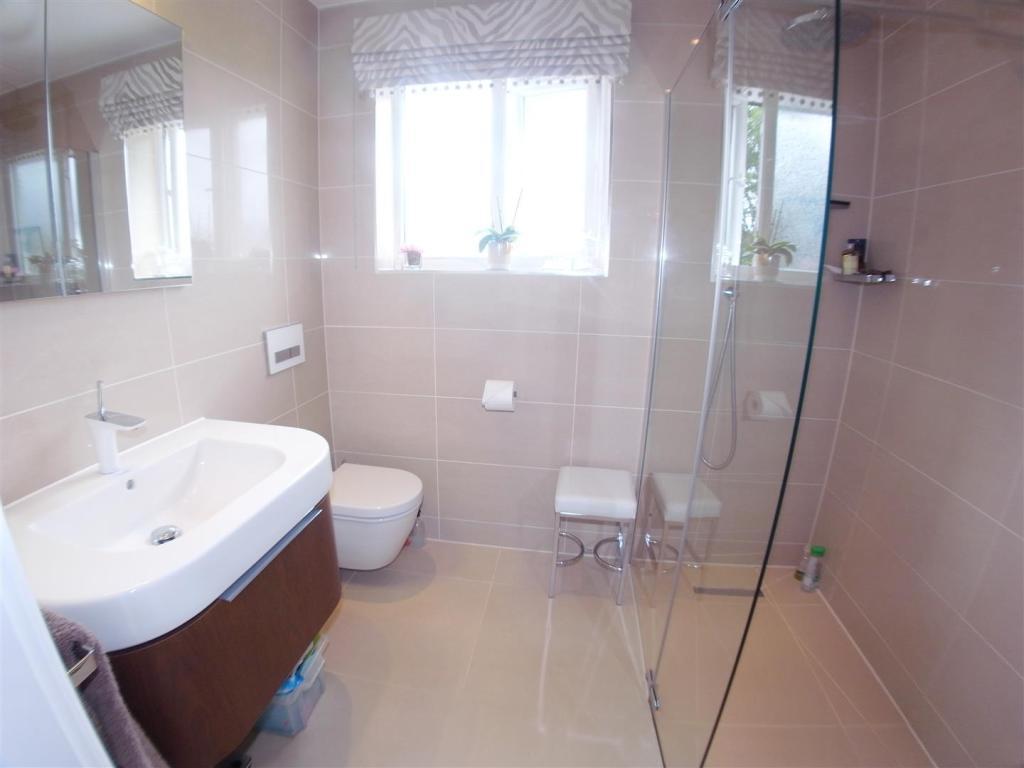 LowerWoodRoad34.Bath