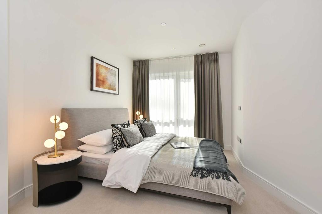 Dickens Yard,Master Bedroom
