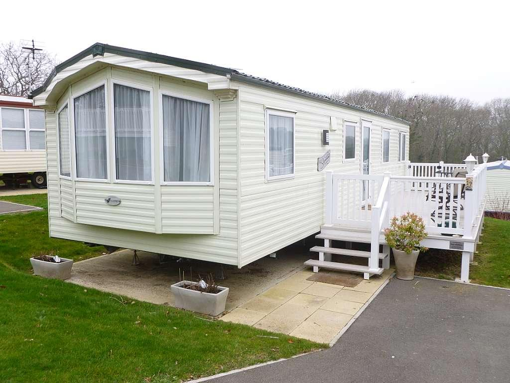 2 Bedroom Mobile Home For Sale In Whitecliff Bay Bembridge Po35