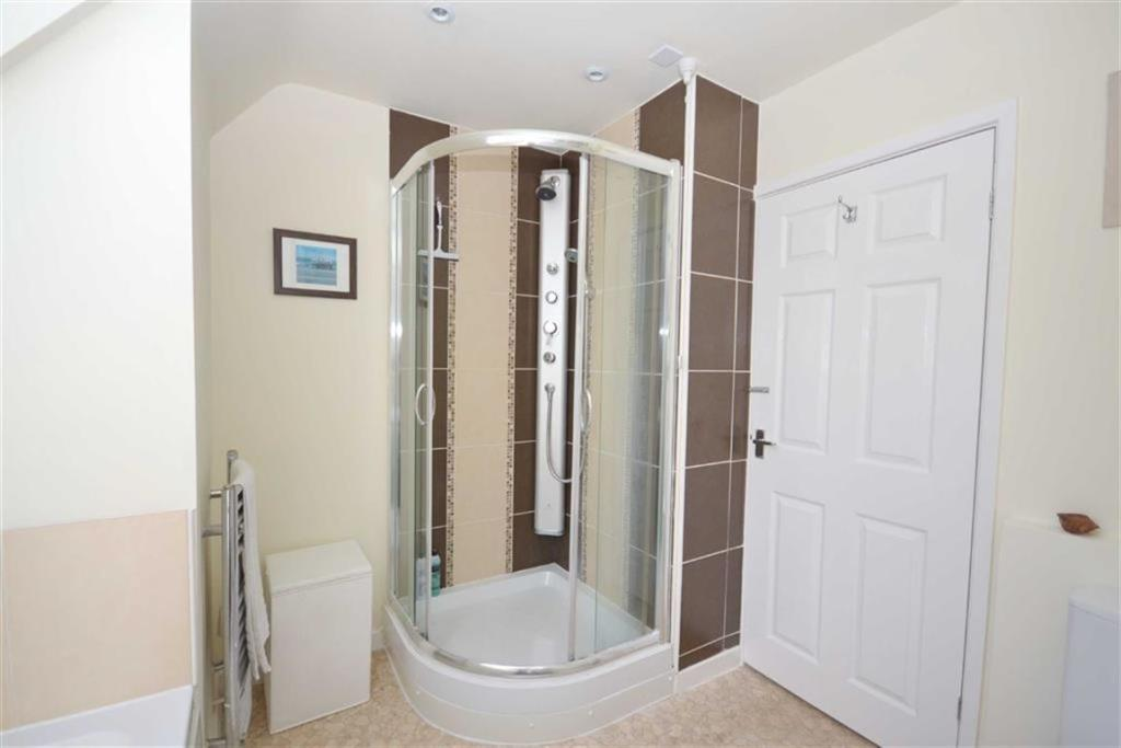 Bathroom/wc Second V