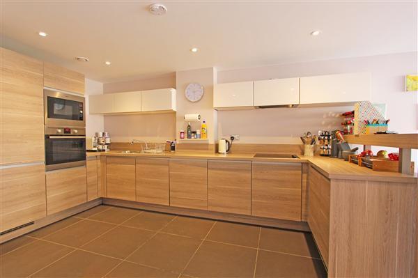 Kitchen (Lower