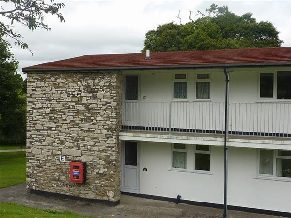 2 Bedroom Apartment For Sale In Trelawne Manor Looe Pl13