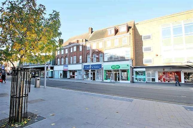 Studio to rent in Station Road, Harrow On The Hill