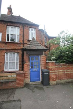 2 bed flat to rent in Albion Road, Stoke Newington