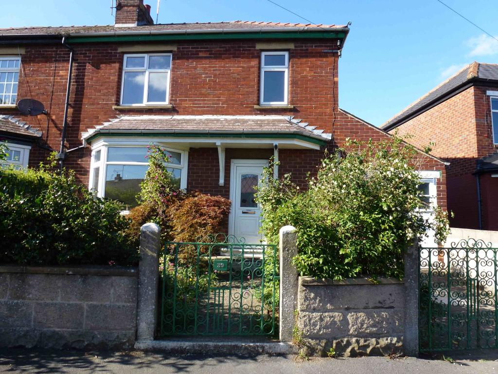 bedroom house to rent in gordon crescent richmond dl10