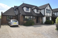 5 bed Detached house for sale in Clifton Road, Rochford...