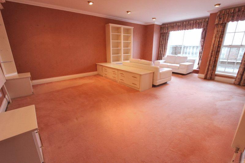 Main Bedroom S...