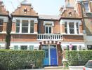 4 bed Flat in Rocks Lane, Barnes