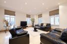 4 bedroom Flat to rent in Aldford House...