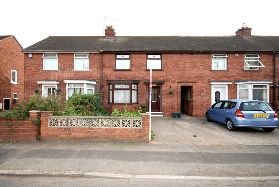 3 Bedroom Terraced House For Sale In Queens Drive Bentley Doncaster Dn5 Dn5