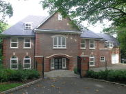 5 bedroom Detached home in Woodland Way, Kingswood...