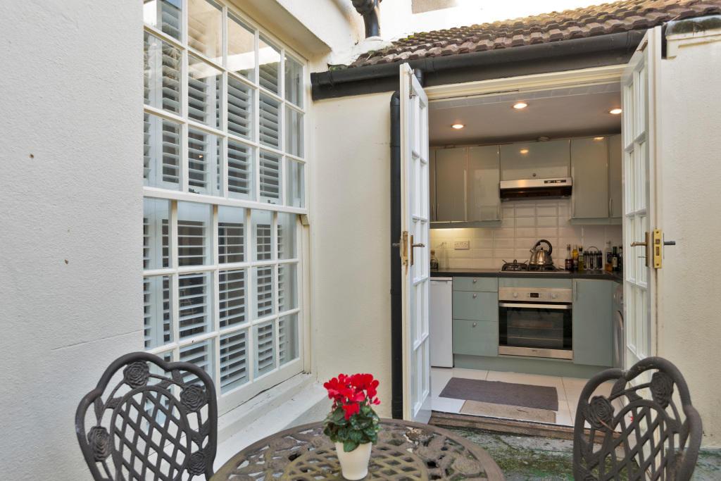 2 Bedroom Flat To Rent In Montpelier Crescent Seven Dials Brighton East Sussex Bn1 Bn1