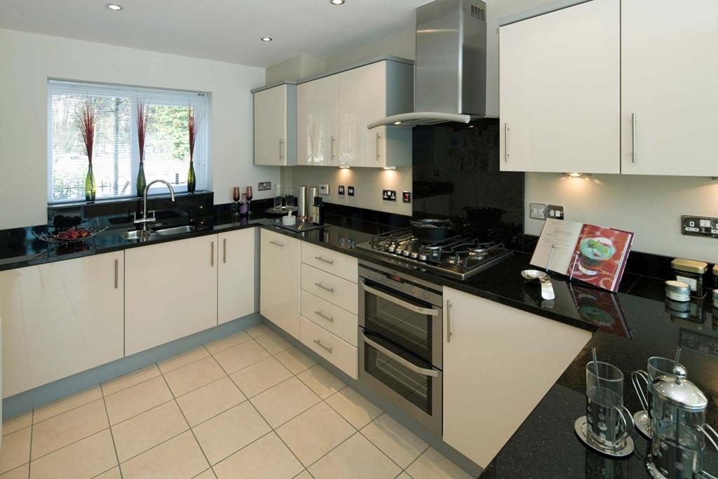 4 bedroom detached house for sale in london road leybourne west malling me19 me19