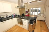 2 bedroom Flat in Hanley Road