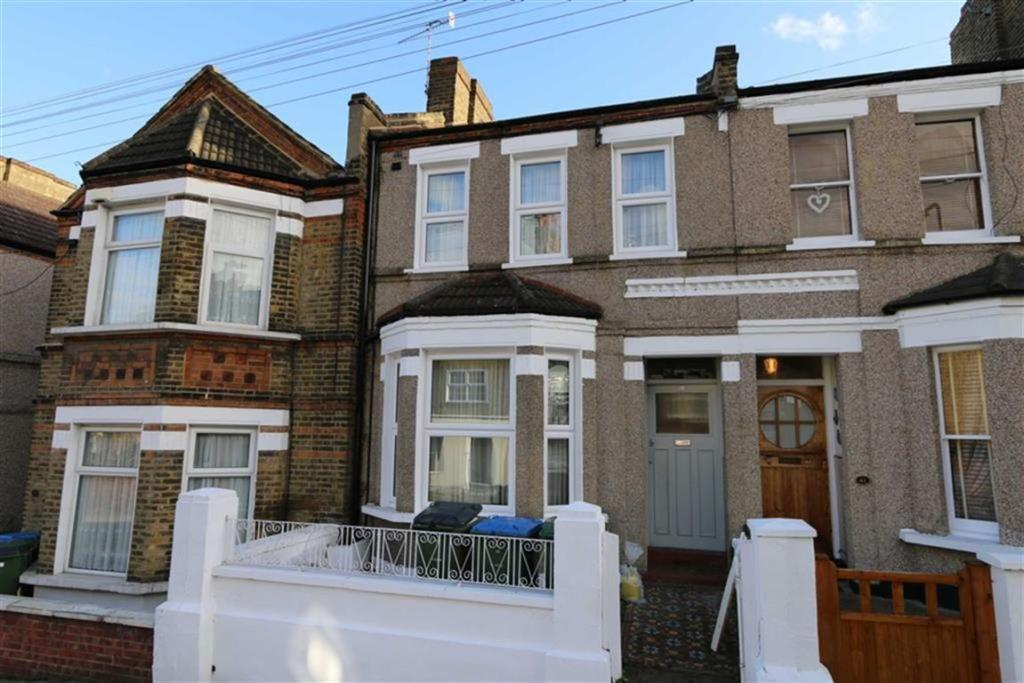 3 Bedroom Terraced House To Rent In Piedmont Road Plumstead London Se18 Se18