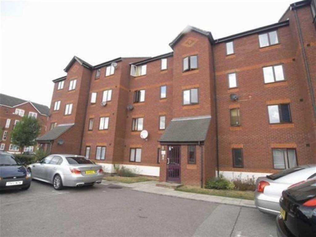 2 Bedroom Flat To Rent In Harlinger Street Woolwich London Se18 Se18