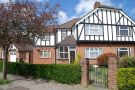 3 bed property in Winton Drive...