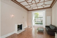 Flat to rent in Pembridge Gardens...
