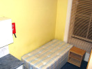 Studio flat to rent in Hogarth Road...