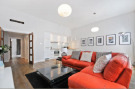 2 bed Flat to rent in Sutherland Avenue...