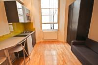 Flat to rent in Princes Square London