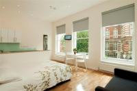 Flat in Blythe Road London