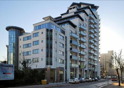 Peninsula kitchen floor plan - 2 Bedroom Apartment To Rent In City Tower Limeharbour