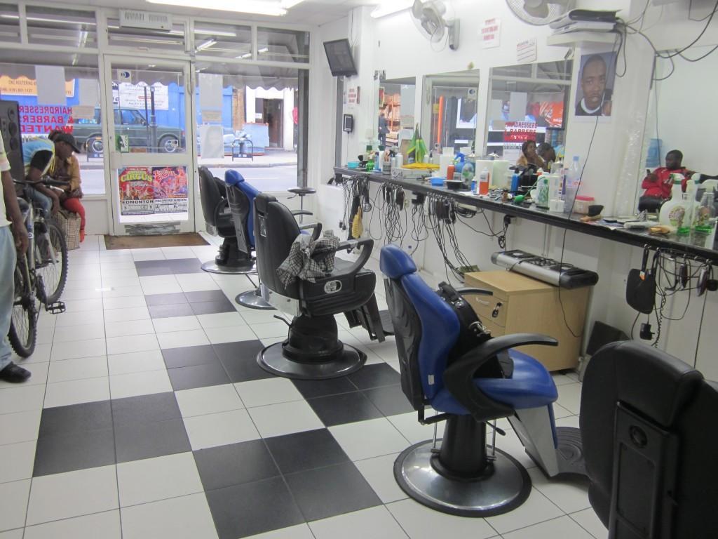 Hairdresser / Barber Shop for sale in High Road, London, N17, N17